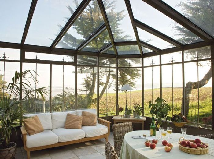 V randa chaque maison son style elle d coration for Modele veranda maison ancienne