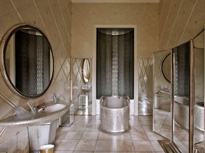 Visite au minist re des affaires trang res elle d coration - Art et decoration salle de bain ...