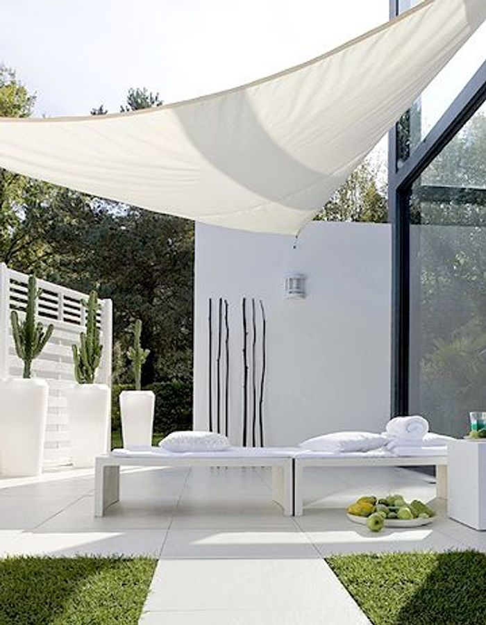 30 nouveaut s d co pour meubler sa terrasse elle d coration. Black Bedroom Furniture Sets. Home Design Ideas