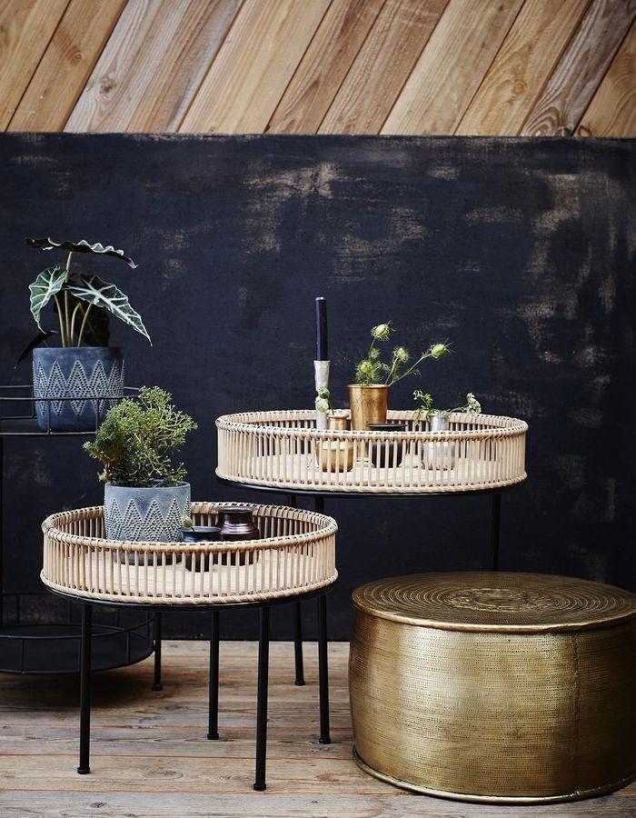 Une table de balcon Madam Stoltz