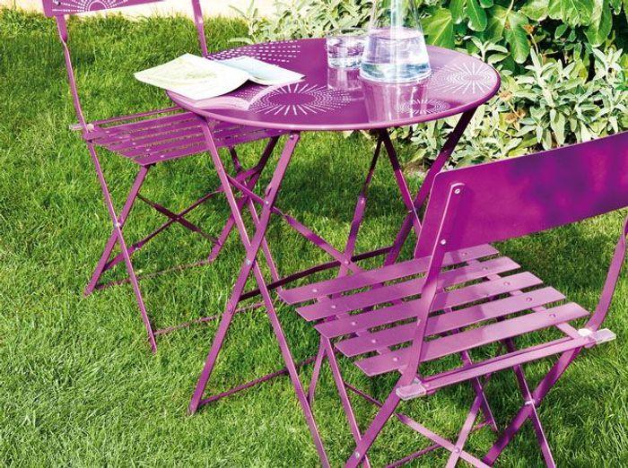 10 tables de jardin moins de 100 elle d coration for Decoration jardin 100 m2