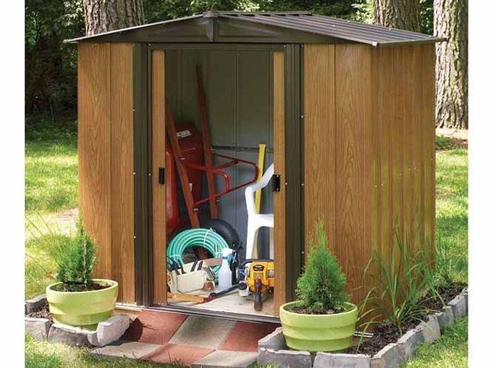 24 abris pour votre jardin abris de jardin elle d coration for Porte pour abri exterieur