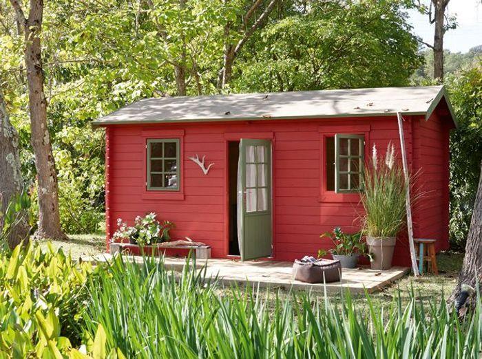 Une jolie cabane pour mon jardin elle d coration for Abri exterieur jardin