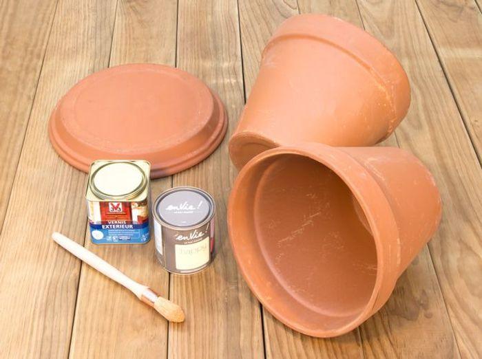 Diy r alisez des rangements tendance pour le jardin elle d coration - Vernis pour tuiles terre cuite ...
