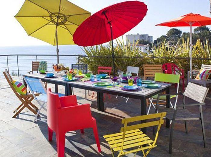 Un mobilier de jardin coloré