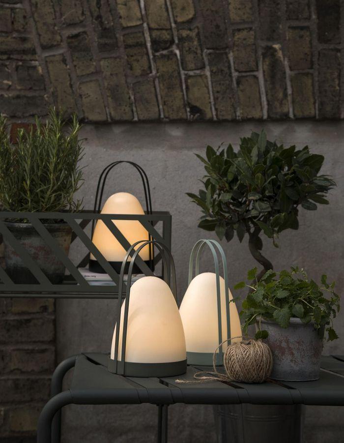 Une lampe de jardin Sostrene Grene