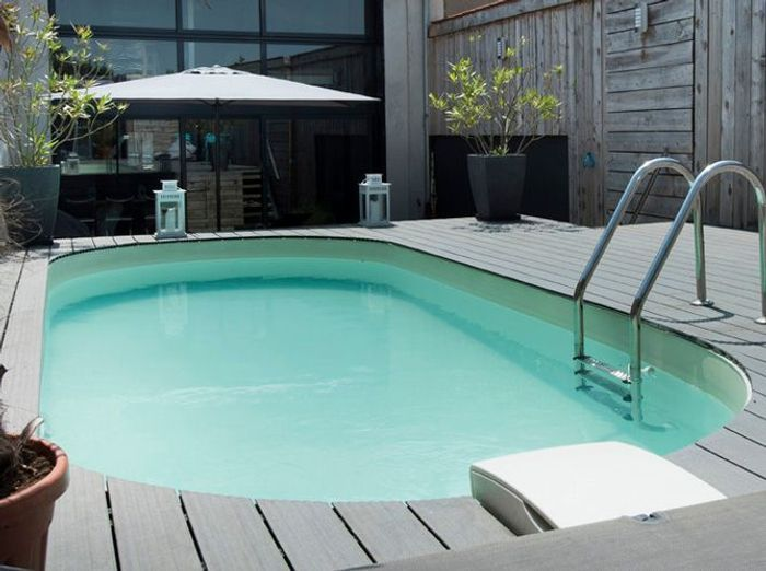 deco exterieur piscine piscine extrieur photos et ides inspirantes avec deco exterieur piscine. Black Bedroom Furniture Sets. Home Design Ideas