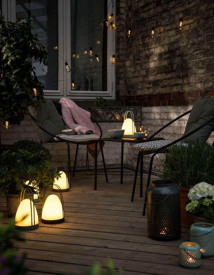 Une terrasse zen à l'éclairage tamisé