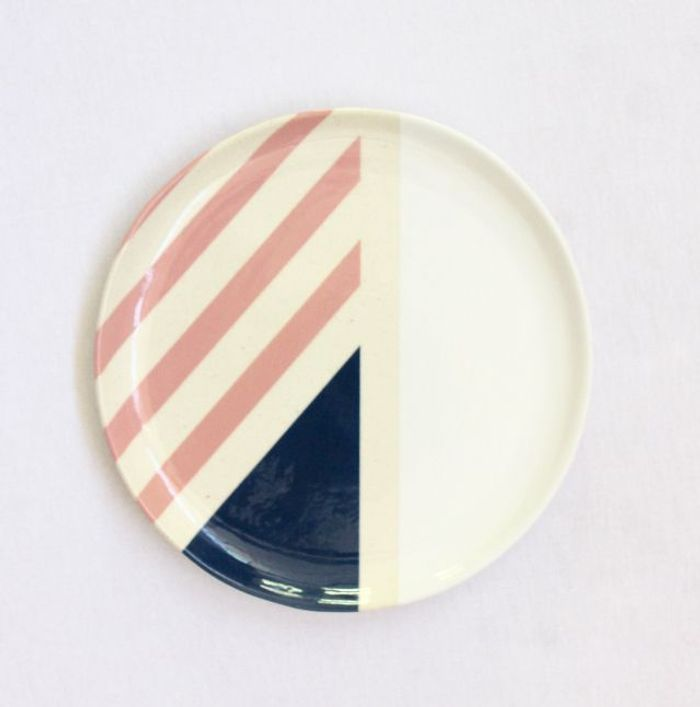 Les assiettes graphiques de Ash Ceramics