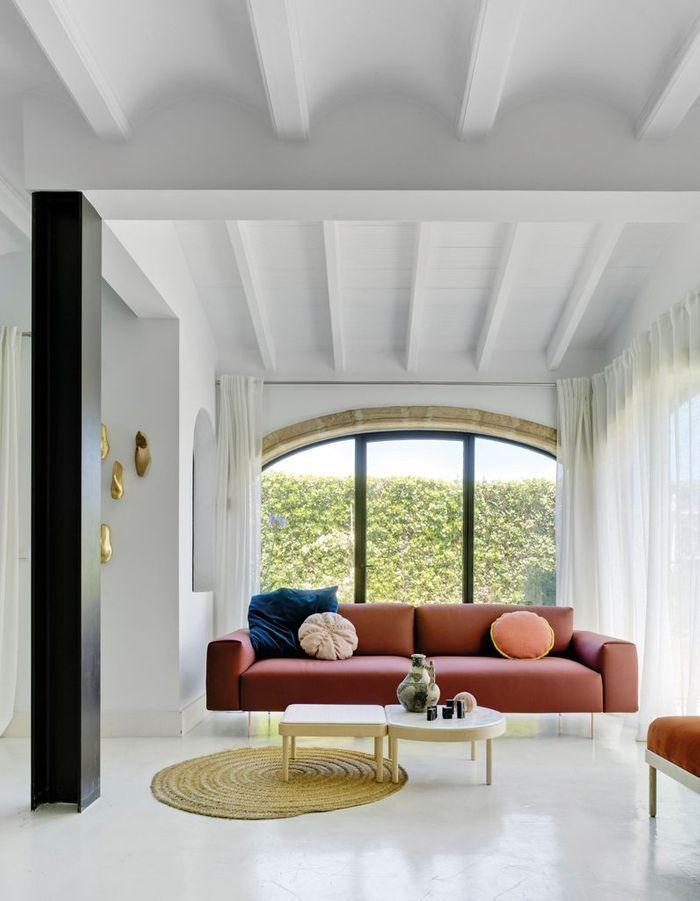 Un canapé design terracotta