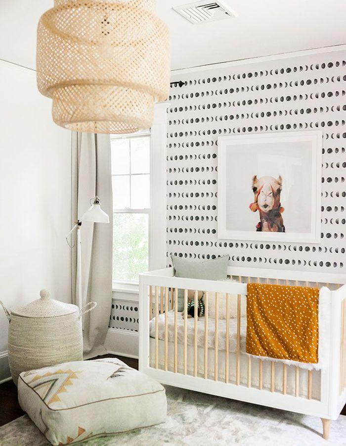 La suspension SINNERLIG dans... une chambre de bébé à la déco ethnique