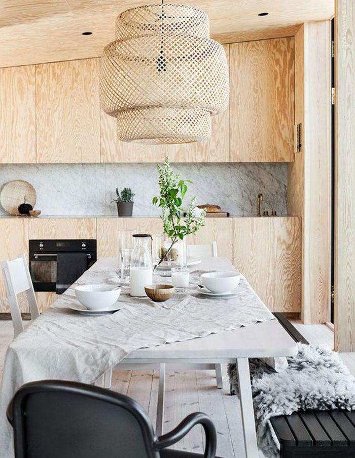 La suspension SINNERLIG dans... une cuisine en bois