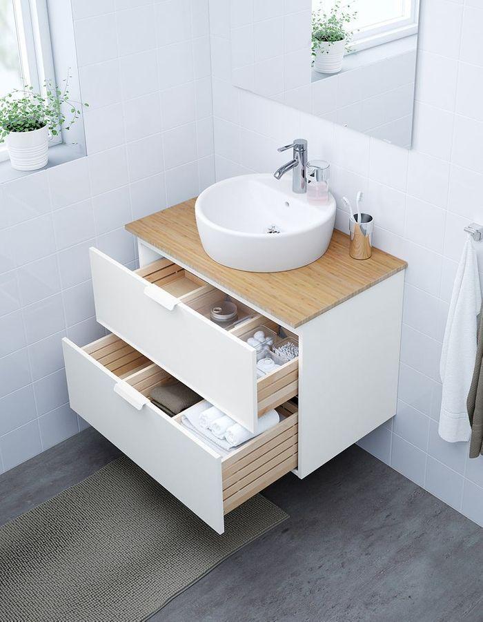 Un meuble lavabo en bambou