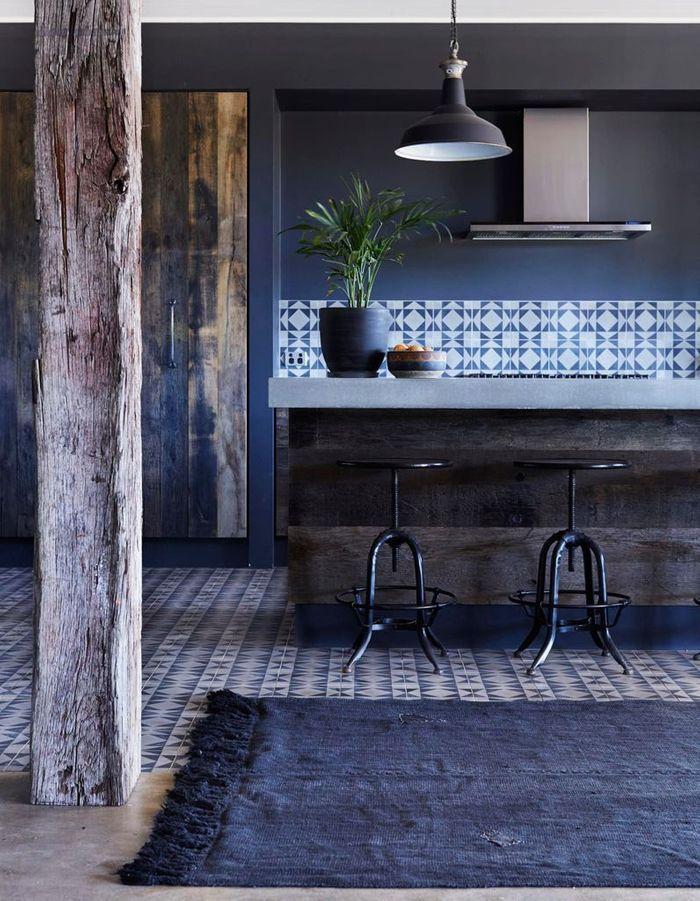 bleu marine et si le bleu marine tait le nouveau noir elle d coration. Black Bedroom Furniture Sets. Home Design Ideas