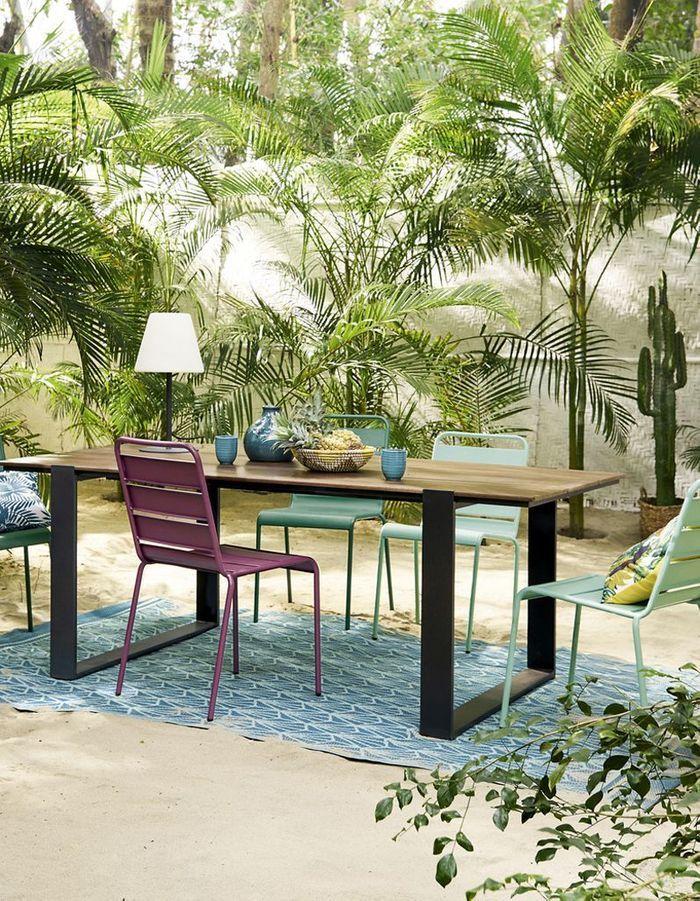 Du mobilier outdoor violet