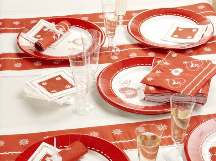 Chemin de table rouge