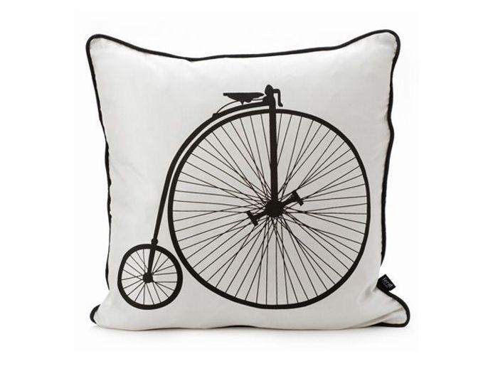 chic et graphique osez la d co en noir et blanc elle d coration. Black Bedroom Furniture Sets. Home Design Ideas