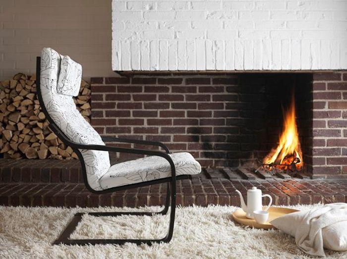l 39 objet d co du jour nouveau look pour le c l bre fauteuil po ng by ikea elle d coration. Black Bedroom Furniture Sets. Home Design Ideas
