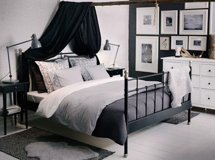 Un duo noir et blanc parfaitement équilibré pour la chambre