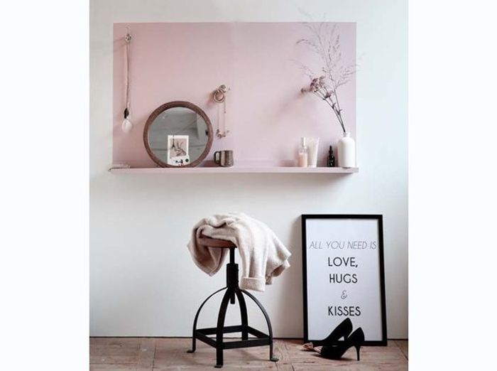 Coiffeuse rose minimaliste