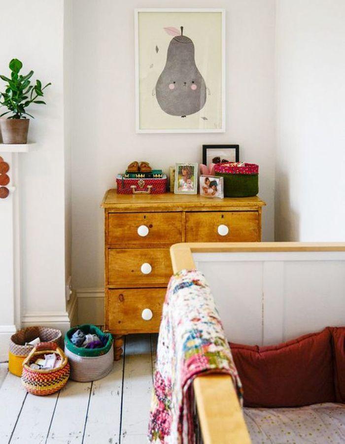 Une chambre de bébé esprit récup