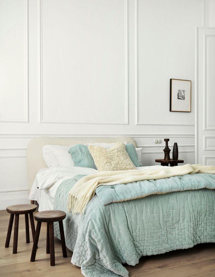 une chambre blanche chaleureuse la chambre blanche en 20 fa ons elle d coration. Black Bedroom Furniture Sets. Home Design Ideas