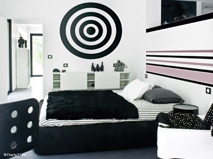 la chambre se refait une beaut elle d coration. Black Bedroom Furniture Sets. Home Design Ideas