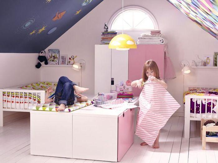 5 belles chambres d enfant am nag es dans les combles elle d coration. Black Bedroom Furniture Sets. Home Design Ideas