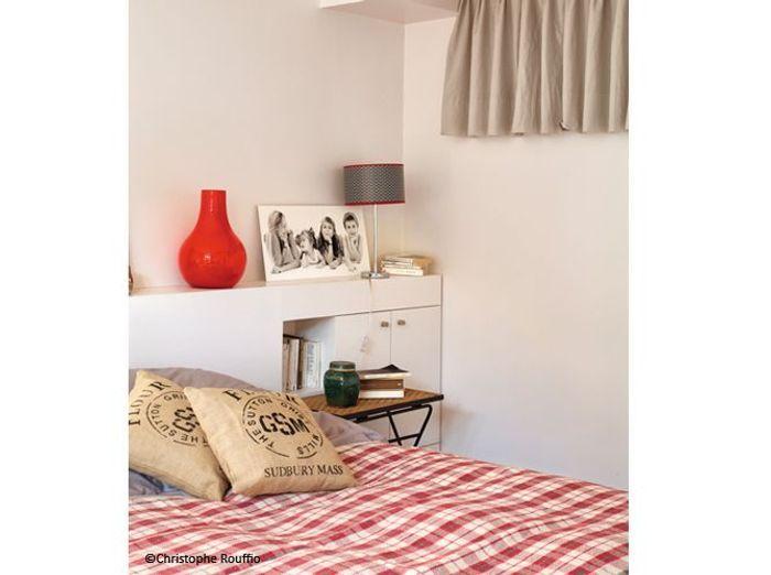 petite chambre nos 25 id es d co elle d coration. Black Bedroom Furniture Sets. Home Design Ideas