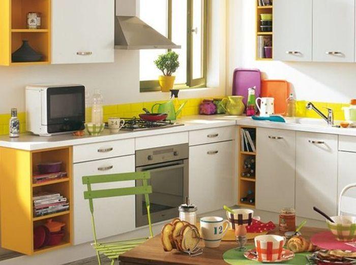 25 astuces pour apporter une touche de couleur votre for Credence cuisine coloree