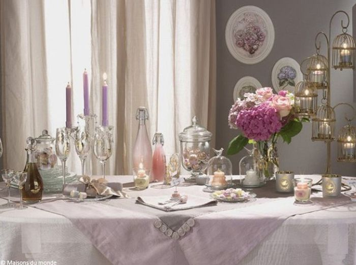 Nos 40 id es d co pour une table de r veillon sur son 31 elle d coration - Deco romantique salon ...