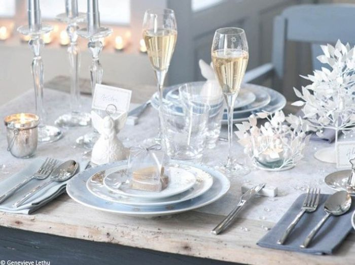 Nos 40 id es d co pour une table de r veillon sur son 31 - Decoration table pour invites ...