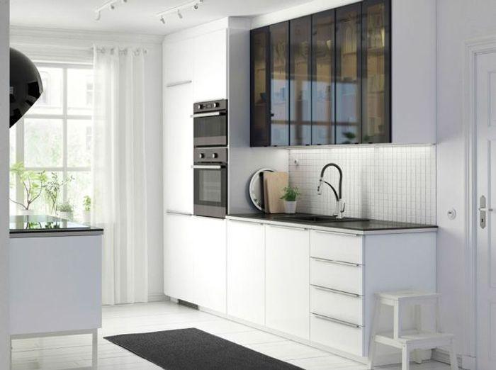 Des placards pratiques pour la cuisine elle d coration - Ikea placard cuisine haut ...