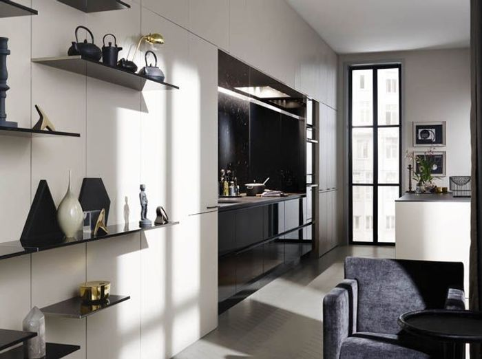 une cuisine cach e dans un placard elle d coration. Black Bedroom Furniture Sets. Home Design Ideas