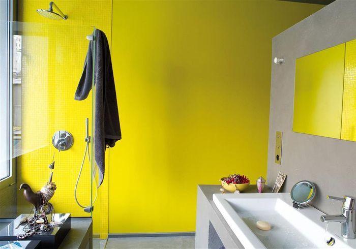 Couleur salle de bains : 15 astuces pour apporter de la couleur à la ...