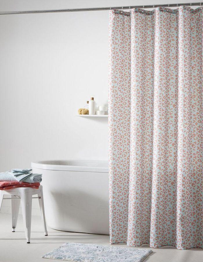 rideau de douche 15 rideaux de douche pour une salle de bains d co elle d coration. Black Bedroom Furniture Sets. Home Design Ideas