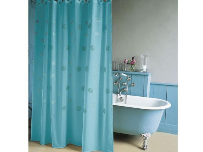 rideau de douche l accessoire d co qui relooke votre salle de bains elle d coration. Black Bedroom Furniture Sets. Home Design Ideas