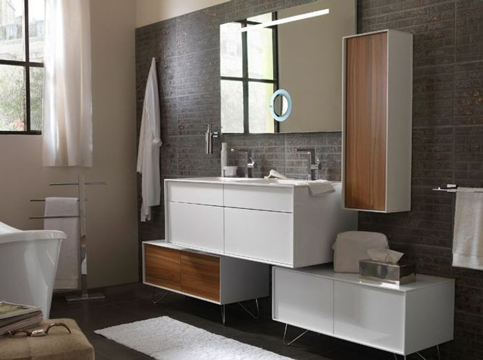 12 meubles de salle de bains pas chers elle d coration for Peinture meuble bois castorama