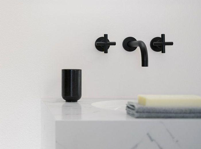 la robinetterie noire d tail ultra chic elle d coration. Black Bedroom Furniture Sets. Home Design Ideas