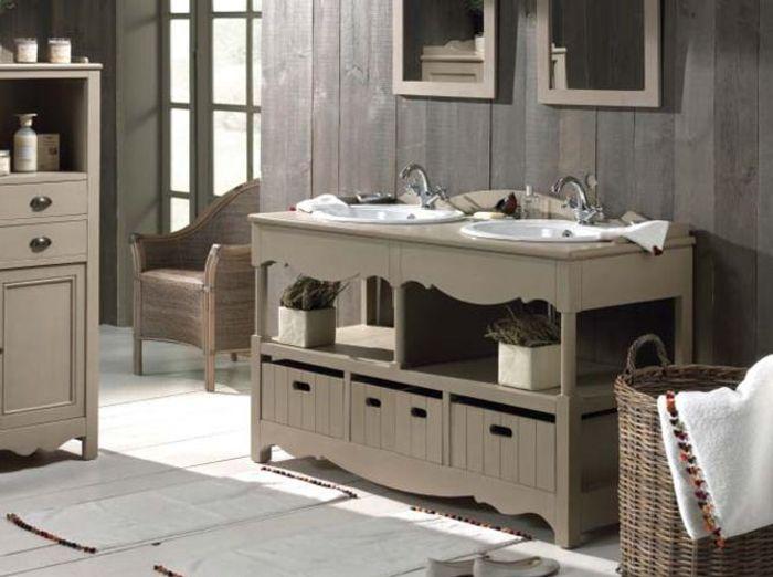 Un meuble ancien pour ma salle de bains elle d coration - Meuble salle de bain ancien en bois ...