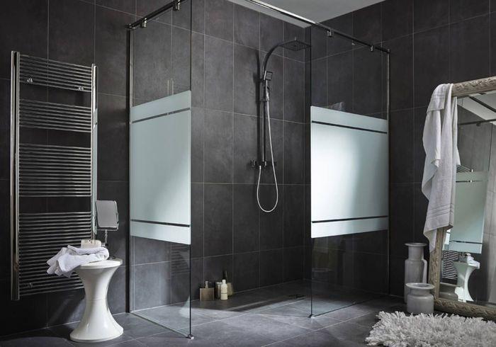 Salle de bains design en béton ciré