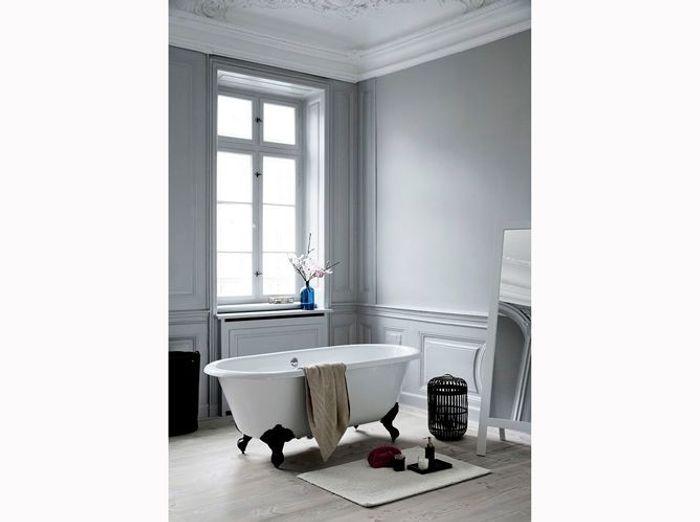 10- Installer la baignoire à même le sol