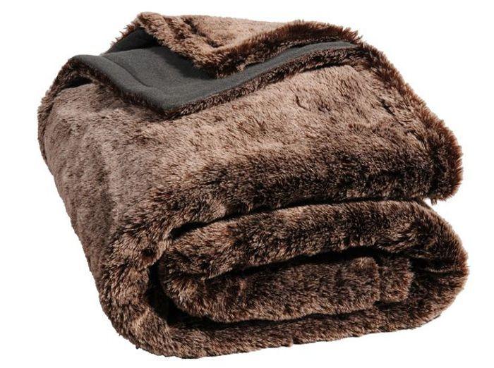 Shopping hivernal pour les dingues de fourrure elle d coration - Plaid en fourrure ...