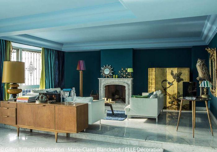 Osons la couleur dans le salon elle d coration - Deco salon bleu canard ...