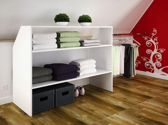 un dressing sous les combles uac with dressing dans chambre mansarde. Black Bedroom Furniture Sets. Home Design Ideas