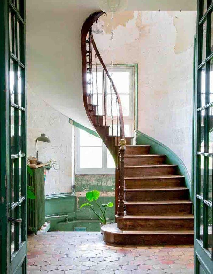 Peindre uniquement la plinthe pour un escalier déco