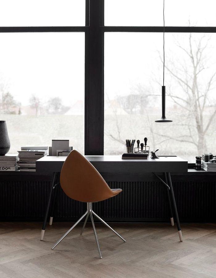 Un rebord de fenêtre qui prolonge le bureau
