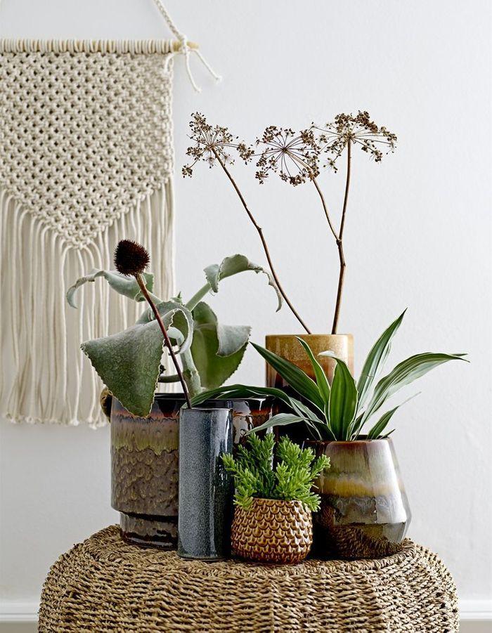 Une décoration végétale via un mix de pots en céramique