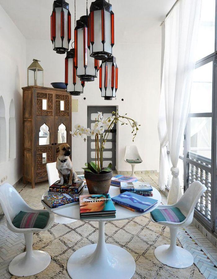 Mêler style contemporain et pièces marocaines