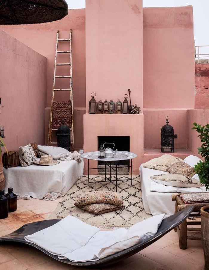 ces 30 id es d co qu 39 on pique aux riads marocains elle d coration. Black Bedroom Furniture Sets. Home Design Ideas